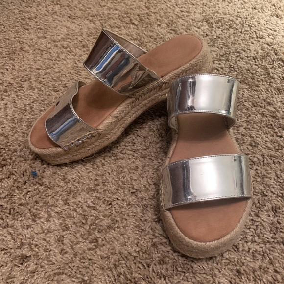 Aldo Shoes - Aldo silver sandal 6.5